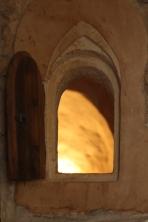 Petite fenêtre et son volet