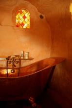 Détail de la baignoire en cuivre